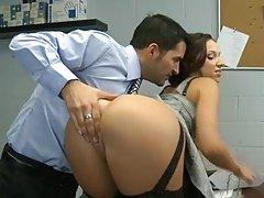 Secretario Lusty Tiene Su Pantie Pot empujado, Por Blondelover